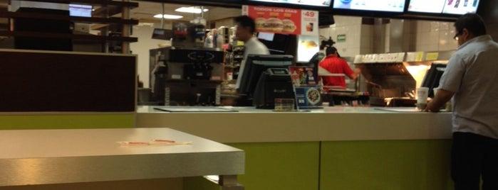McDonald's is one of Armando : понравившиеся места.