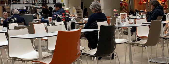 The Gallery Café is one of Locais curtidos por Virgi.
