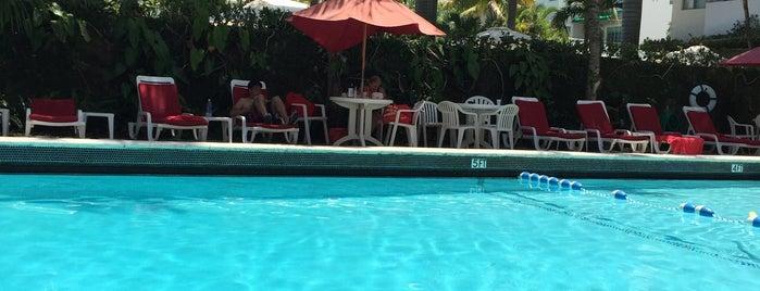 The Richmond Hotel Pool is one of Tempat yang Disukai Mario.