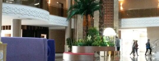 Budan Thermal Spa Hotel & Convention Center is one of Locais salvos de Emrah.