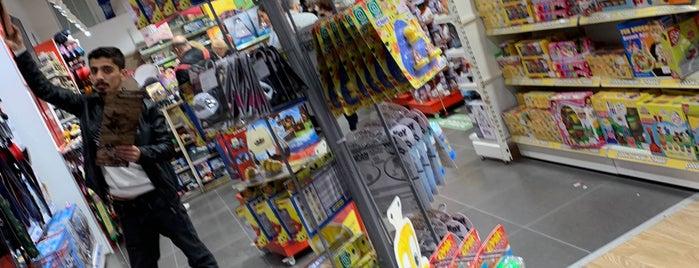Toyzz Shop is one of Locais curtidos por Serhan.