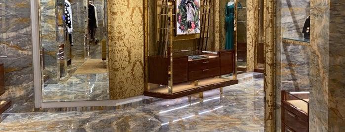 Dolce&Gabbana is one of Lugares favoritos de Tawfik.
