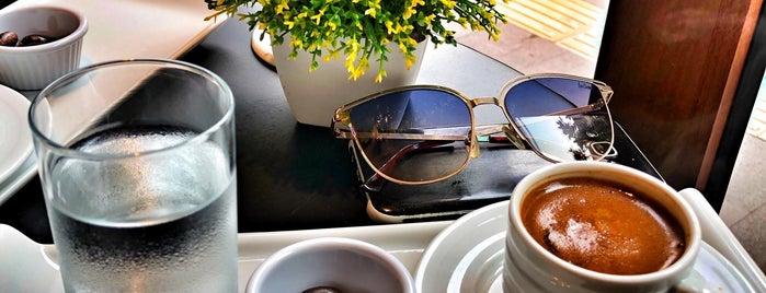 Smallux Cafe & Life is one of Altıeylül-Karesi.