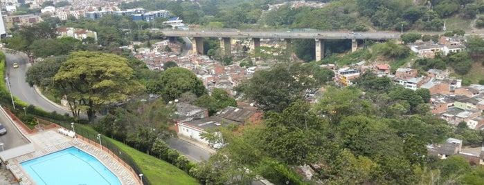Torres de Monterrey is one of Lugares.