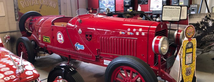 Route 66 Car Museum is one of Springfield Adventure.