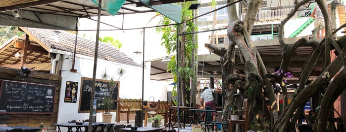 Cais Bar is one of Melhores Restaurantes e Bares do RJ.