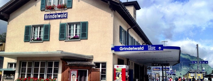 Bahnhof Grindelwald is one of สถานที่ที่ Giovanna ถูกใจ.