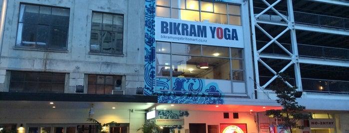 Bikram Yoga Britomart is one of Locais curtidos por Simone.
