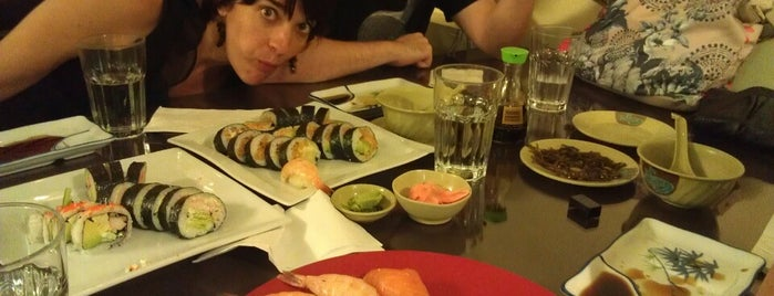 Yuki Sushi Bar is one of Posti che sono piaciuti a Martin.