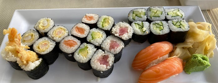 La-Guna Sushi Bar is one of Budapest to-do.