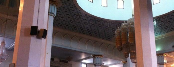 Al Shoaibi Mosque is one of Locais curtidos por Hebah.