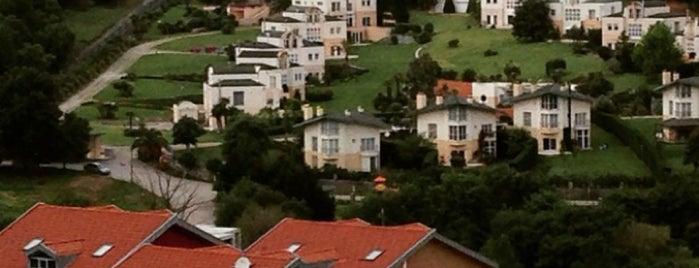 Zekeriyaköy is one of Istanbul.