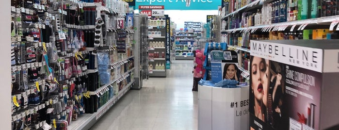 Rexall PharmaPlus - College Square is one of Rexall Pharma Store (1/2).