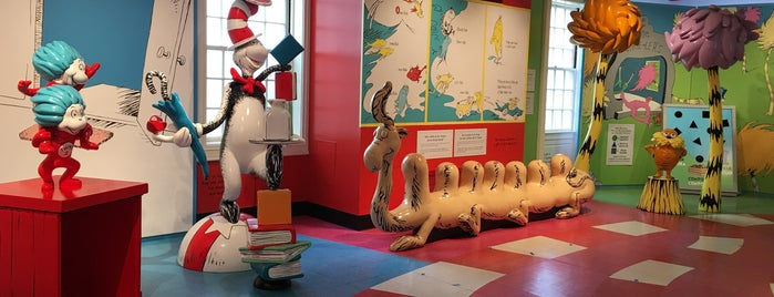 The Amazing World of Dr. Seuss Museum is one of Lugares favoritos de QQ.