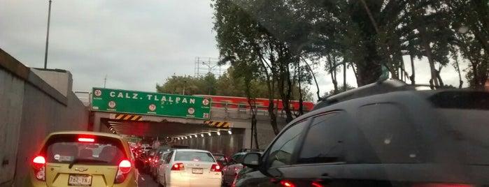 Calz. de Tlalpan y Viaducto is one of Tempat yang Disukai Perla.