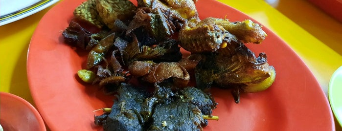 Kedai Ayam Goreng & Nasi Uduk Kebon Kacang Hj. Ellya is one of Jkt Simple Art of Eating.
