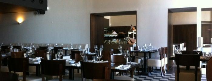 Chefe Cordeiro is one of Restaurantes e outros sitios onde se come ben.