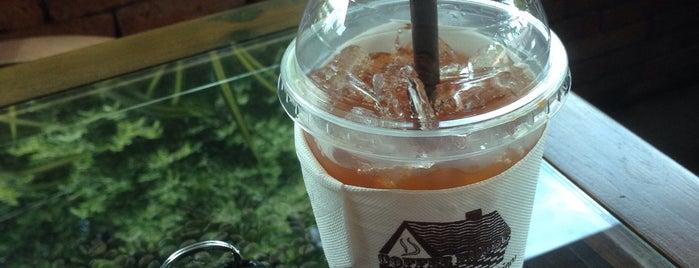 Coffee House Cafe is one of Locais curtidos por Mike.
