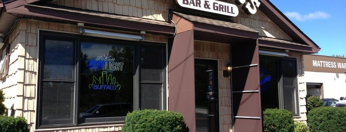 Grover's Bar & Grill is one of Diners, Drive-Ins, and Dives.
