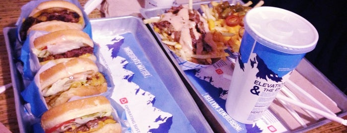 Elevation Burger is one of Organic food (Riyadh).
