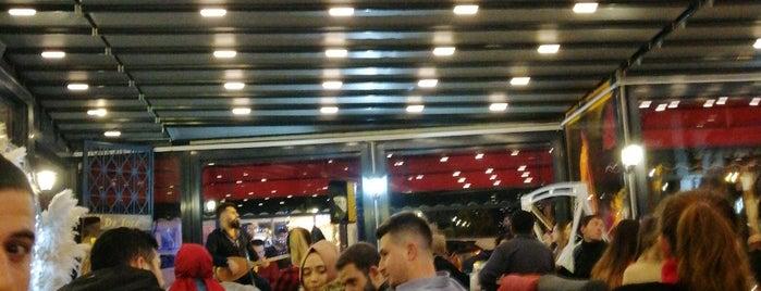 Cafe De'loca is one of Tempat yang Disukai Mustafa.