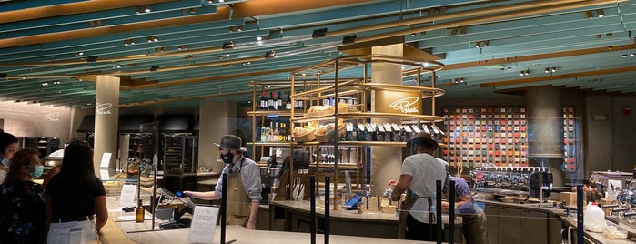 Starbucks Reserve Roastery is one of Brent 님이 좋아한 장소.
