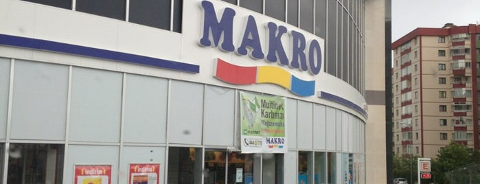 Makromarket is one of Orte, die Ekrem gefallen.