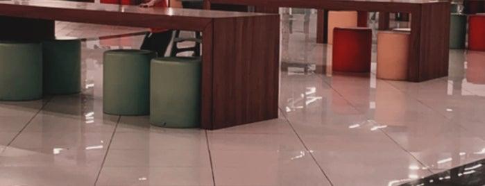 Muvi Cinemas is one of Queen'in Kaydettiği Mekanlar.
