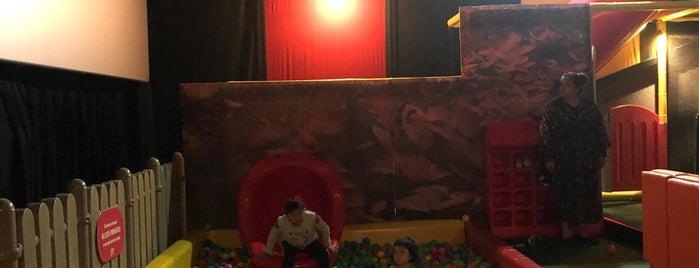 Sala Junior Cinepolis is one of A donde ir con niños.