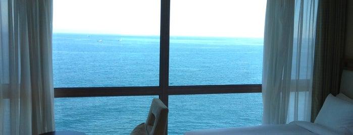 Ocean Suites Jeju Hotel is one of Orte, die Henry gefallen.