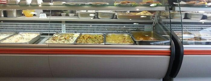 Dawat Restaurant & Take Away is one of Orte, die Barry gefallen.