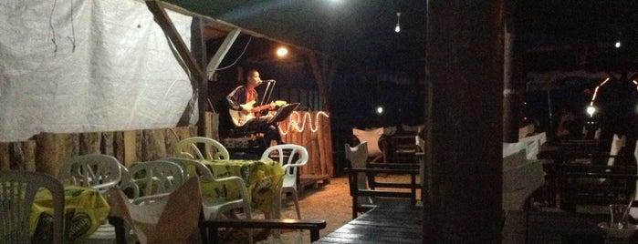 Sude Cafe Bar is one of Aylin'in Beğendiği Mekanlar.
