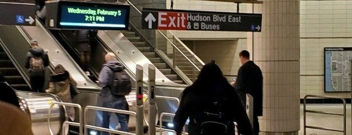 MTA Subway - 34th St/Hudson Yards (7) is one of Lugares favoritos de Jason.