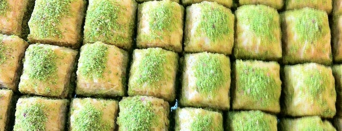 Baklavaci Zenka is one of Gitmeliyim:).