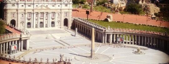 Italia in Miniatura is one of Italy.