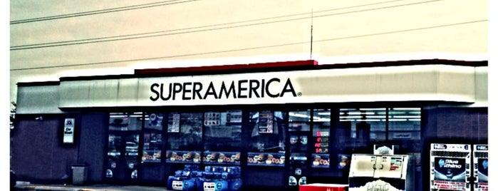 SuperAmerica is one of Orte, die Kristen gefallen.