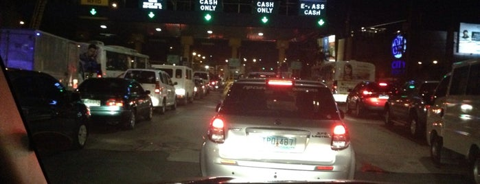 Bicutan Toll Gate is one of Paranaque.