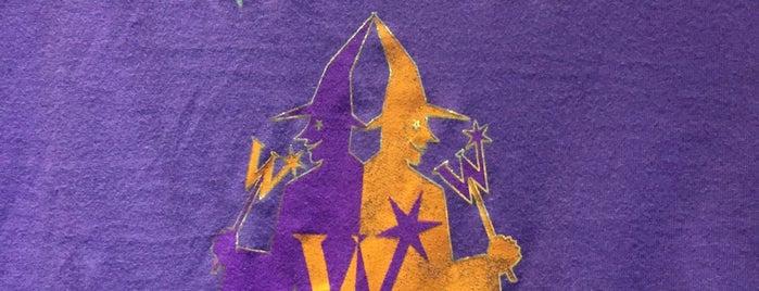 Weasleys' Wizard Wheezes is one of Alan : понравившиеся места.