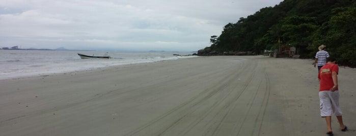 Ilha do Mel is one of Lugares favoritos de aline.