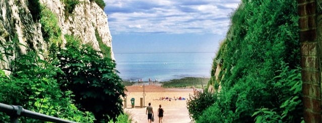 Stone Bay is one of Broadstairs.