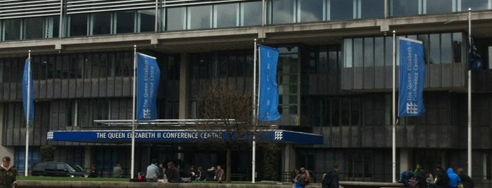 Queen Elizabeth II Conference Centre is one of Locais curtidos por Anastasia.