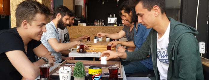 Yazı Tura Cafe is one of สถานที่ที่บันทึกไว้ของ Emre.