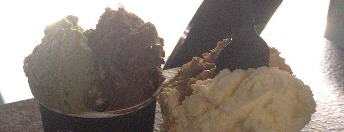 Laterria Gelato & Dessert Bar is one of Jkt resto.