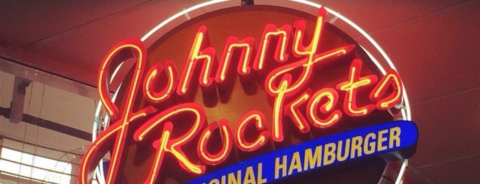 Johnny Rockets is one of Tempat yang Disukai Bárbara.