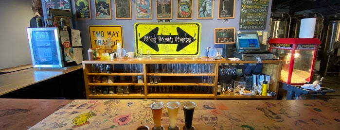 2 Way Brewing Company is one of Lugares favoritos de Amanda.