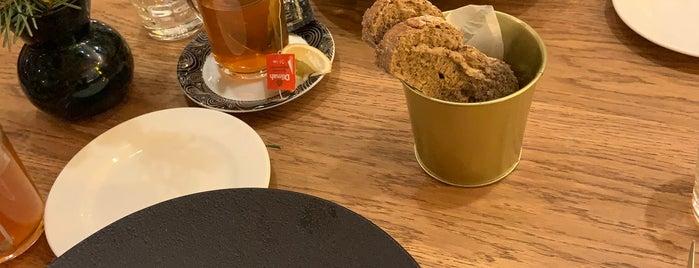 na'pasta bistro is one of Étterem Hét 2019.