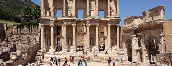 Library of Celsus is one of Locais curtidos por Erdem.