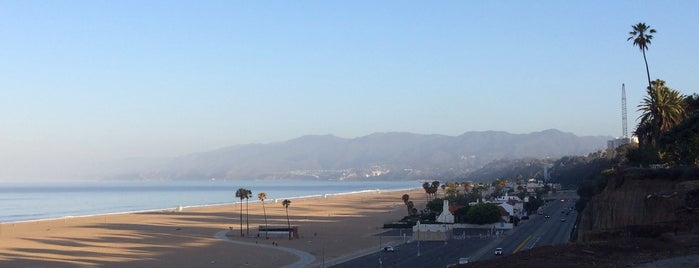 Santa Monica State Beach is one of Top 5 Make-Out Spots LA.