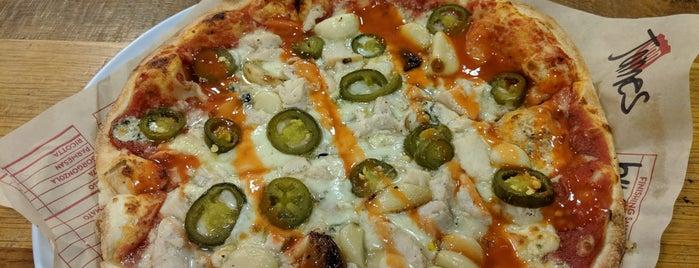 MOD Pizza is one of Tempat yang Disukai K..