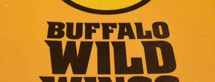 Buffalo Wild Wings is one of FuriousMBさんのお気に入りスポット.